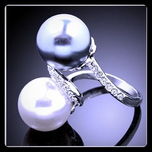 Black and White Double Pearl Silver Ring 7